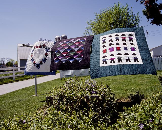 Amish Country Quilts