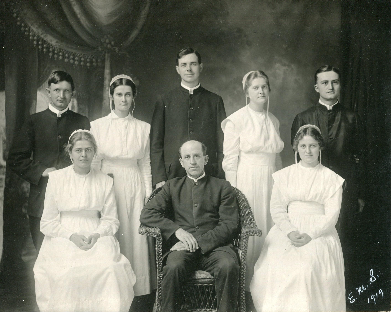 First EMS graduating class, 1919